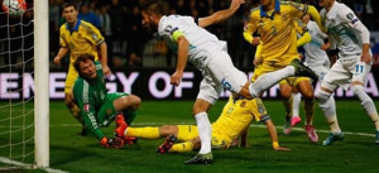 صعود سوئد به یورو ۲۰۱۶ با برتری برابر دانمارک