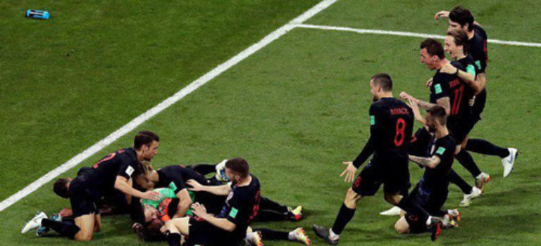 کرواسی با حذف میزبان به نیمه نهایی جام جهانی راه یافت